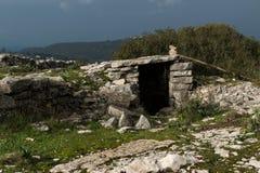 在Serra de Janeanes的老风雨棚 免版税库存照片