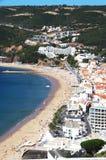 在Sesimbra沿海城市的看法  免版税库存图片