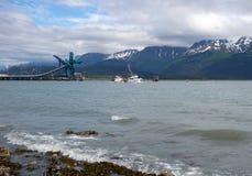 在seward的一条商业捕鱼业小船 库存照片