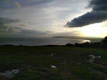 在Shanklin海湾的晚太阳 免版税库存图片