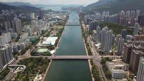在Shatin, Tai Wai,城门河的空中panarama视图 在台风Mangkhut前来到香港 影视素材