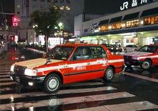 """在Shinagawa驻地å附近的东京出租汽车"""" 川 駅 免版税库存图片"""