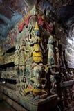 在Shitthaung寺庙里面的神圣的保护神安心在Mrauk U,缅甸 免版税图库摄影