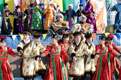 在Shrovetide,布里亚特共和国,俄罗斯跳舞表现 图库摄影