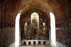 在Shwe严Pyay寺庙的菩萨图象 库存照片