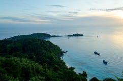 在Similan海岛拍一张照片观点的早晨 免版税库存照片