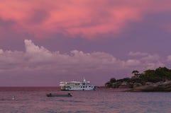 在Similan海岛, Thailan的美好的日落 免版税库存图片