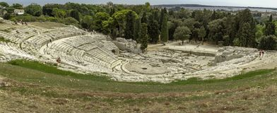 在Siracuse的著名假期目的地的历史的罗马Anphitheater在西西里岛 库存照片
