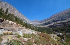 在SIYEH弯的冰河被雕刻的峡谷在冰川国家公园在蒙大拿美国 库存图片