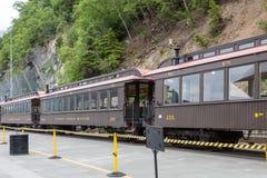 在Skagway阿拉斯加附近的老火车 库存图片