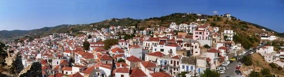 在Skopelos的希腊全景外型 免版税库存照片