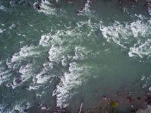 在Skykomish河的怀特沃特 免版税图库摄影