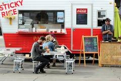 在Smorgasburg, Loa安赫莱斯的食物卡车 免版税库存照片