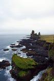 在Sneafellsnes的Londrangar岩石在冰岛 免版税库存照片
