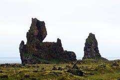 在Sneafellsnes的Londrangar岩石在冰岛 库存图片
