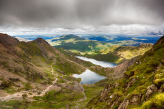 在Snowdonia的风雨如磐的天空 库存照片