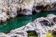在Somoto峡谷,尼加拉瓜的河视图 免版税图库摄影