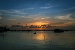 在Songkhla湖,泰国的日落时间 免版税库存图片