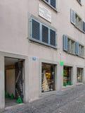 在Spiegelgasse街道上的房子号码14在苏黎世 免版税库存图片