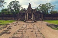 在srey视图之外的banteay柬埔寨 免版税库存图片
