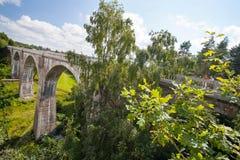 """在StaÅ """"czyki的铁路高架桥 库存图片"""