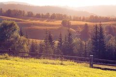 在Stara planina,保加利亚的山日落 免版税库存照片