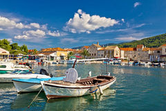 在Stari毕业的老木小船 免版税库存图片
