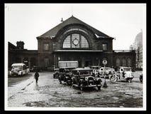 在Starnberger的古色古香的照片汽车驻防正方形 免版税库存图片