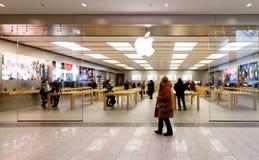 在Ste福伊,魁北克的苹果计算机iStore 库存照片
