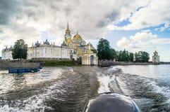 在Stolobny海岛,特维尔上的Nilov修道院地区 从湖塞利格的看法 库存图片