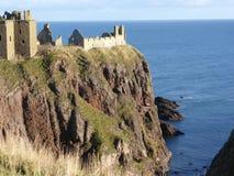 在Stonehaven,阿伯丁郡,苏格兰附近的Dunnottar城堡, 免版税库存图片