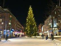 在Storgatan的圣诞节装饰在LuleÃ¥ 免版税图库摄影