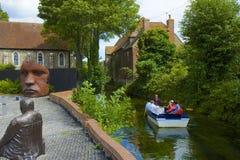 在Stour河,坎特伯雷,英国的划船 免版税图库摄影