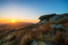 在Stowe的小山,康沃尔郡,英国的日出 免版税图库摄影