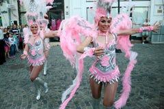 在Stradal剧院布加勒斯特节日的桑巴舞蹈有圣克鲁斯小组的2015年 免版税库存照片