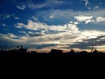 在strom前的多云天空背景 库存照片