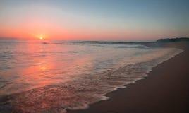 在Struisbaai港口,厄加勒斯角,南非的日落 免版税库存图片
