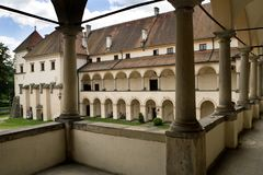 在sucha beskidzka的新生城堡,sucha庄园随后所有者要人住所  库存图片