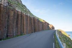 在Suduroy的玄武岩专栏在法罗群岛 免版税图库摄影