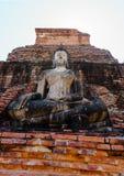 在sukhothai历史公园的古老菩萨雕象 免版税图库摄影