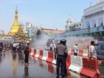 在Sule Paya 4月15日的Thingyan节日 免版税库存图片