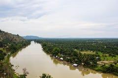 在Suratthani省,泰国的河视图 库存图片