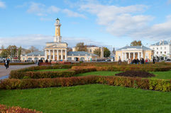 在Susaninskaya广场的10月天 Kostroma,俄罗斯 库存照片