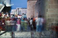 在Sussa的一条街道在夜间之前 免版税库存照片