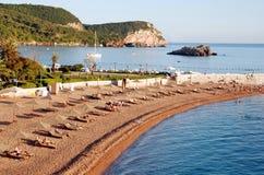 在Sveti斯蒂芬,黑山附近的海滩 库存照片