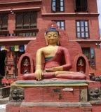 在Swayambhunath猴子寺庙,加德满都,尼泊尔的菩萨雕象 免版税库存照片