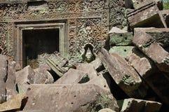 在Ta Prohm寺庙的Apsara在吴哥在暹粒柬埔寨 库存图片