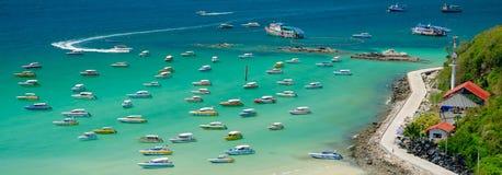 在Ta Waen海滩的速度小船 图库摄影