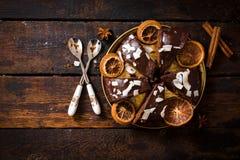 在tabe的巧克力蛋糕 免版税图库摄影