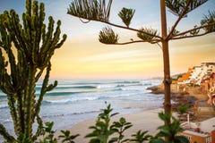 在Taghazoute的黎明海浪在摩洛哥 免版税图库摄影